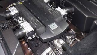 Lamborghini Reventón motor