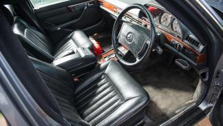 subasta Mercedes Clase S blindado Husein I de Jordania interior