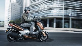 Nuevo-Yamaha-X-Max-300-4