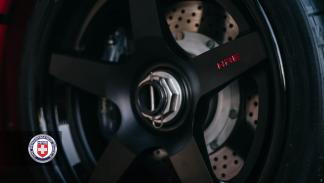 Ferrari F40 llantas HRE detalle