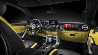 Mercedes Clase X Powerful Adventurer interior