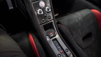 McLaren 675LT botones