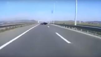 Carrera ilegal entre un BMW M3 V10 y un Golf R32 V10 (4)