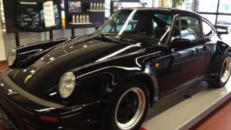 Porsche 930 Turbo S robado frontal