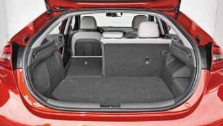 Toyota Prius vs Hyundai Ioniq