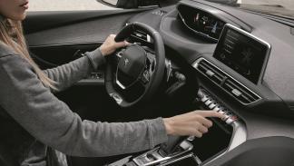 virtudes-Peugeot-3008-diseño-interior