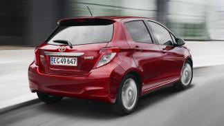 coches-usados-deberías-comprar-Toyota-Yaris-zaga