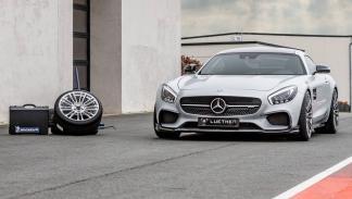 Mercedes-AMG GT Luethen Motorsport delantera