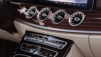 Mercedes Clase E Coupé 2017 consola