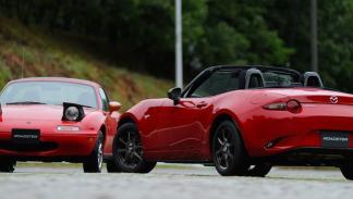 Mazda MX-5 Classic Red