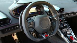 identifica-coches-volante-Lamborghinin-Huracán