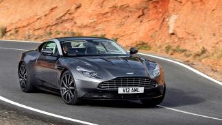 Aston Martin DB11. Finales de 2016. Un 2+2 plazas con V12 y 608 CV.