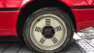 BMW M1 rueda