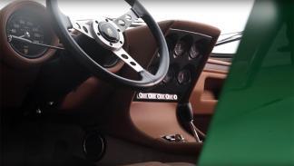 Lamborghini Miura P400 SV Polo Storico interior