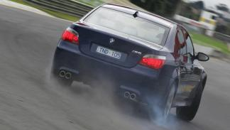 coches-vendían-cambio-manual-BMW-M6-E60-zaga
