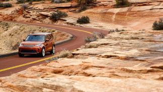 prueba land rover discovery 2017 dinámica asfalto