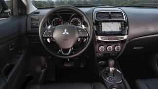 Mitsubishi ASX 2017 interior
