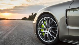 Porsche Panamera Turbo S E-Hybrid 2017 frenos