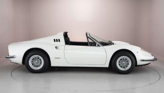 Ferrari Dino 1974 lateral