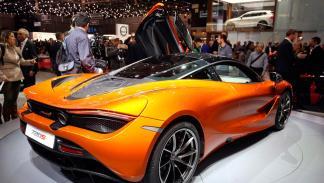 McLaren 720S (trasera)