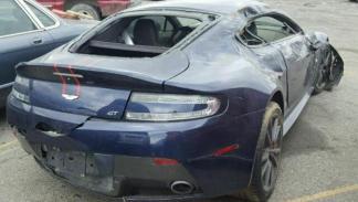 Vendido siniestro Aston Martin V8 Vantage