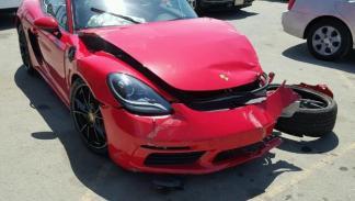 Porsche 718 Cayman destrozado