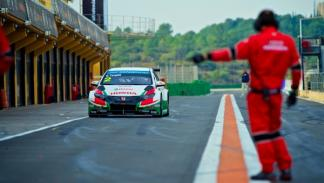 Honda-Civic-WTCC-2014-test-Cheste