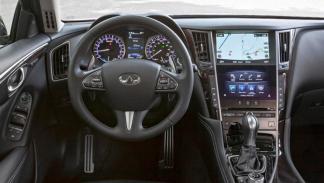 Infiniti Q50 3.5 Hybrid interior