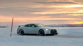 Nissan GTR Hielo drift2