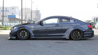 Mercedes C 63 AMG Coupé Liberty Walk lateral
