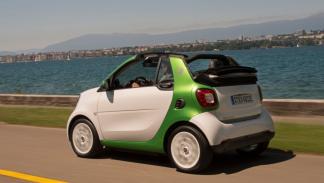 smart fortwo electric drive cabrio movimiento trasera