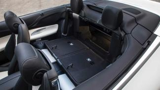 Mercedes Clase E Cabrio 2017 asientos traseros abatidos