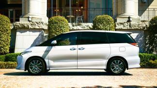 Toyota Estima desconocido raro monovolumen grande Japón