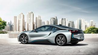 5 coches con los que debería patrullar la Guardia Civil - BMW i8