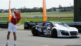 Djokovic se enfrento a un Audi R8 LMS GT3