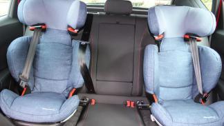 Incluso en un SUV como el Ateca, no cabe un adulto entre dos SRI sin Rivemove