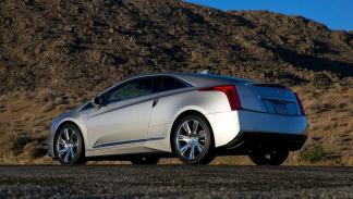 3 coches que no compraría ni con El Gordo de la Lotería de Navidad Cadillac ELR