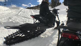 Harley-Davidson convertidas en motos de nieve