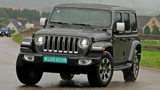 Jeep Wrangler vs Mercedes Clase G