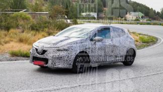 Renault Clio 2019 fotos espia III