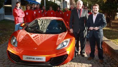 Fotos: El McLaren MP4-12C y su diseñador Frank Stephenson visitan AUTO BILD