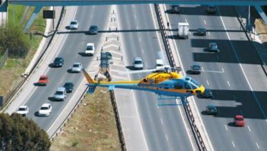 De patrulla en el helicóptero de la DGT