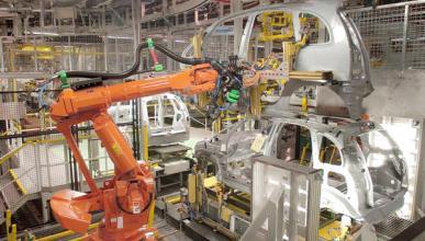 PSA y Opel paran parte de sus fábricas en España