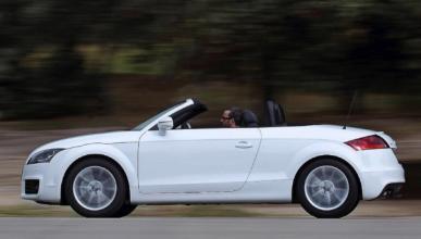 Audi TT Black & White Edition lateral