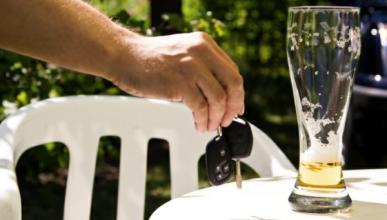 El doble de alcohol en viajes cortos