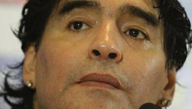 Maradona tiene un accidente con su vehículo