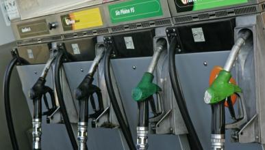 Los precios de los carburantes descienden en agosto