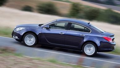 Opel-Insignia-2012-exterior-lateral