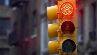 Industria cambiará 100.000 semáforos para ahorrar en luz