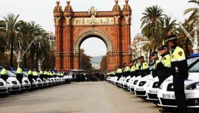 Seat entrega 56 coches a la Guardia Urbana de Barcelona